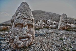 story-religion-ezda-yezidis-fire-sun-mithra-mithraism-mihr-mihra-nemrud-mount-kurds-kingdom-kurdish-history