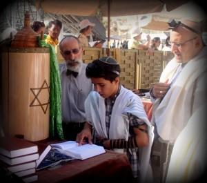Jewish_boy_reads_Bar_Mitzvah